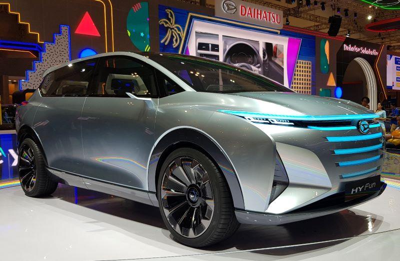 https: img-o.okeinfo.net content 2019 07 24 52 2082942 boyong-mobil-konsep-di-giias-2019-daihatsu-bikin-mobil-khusus-kalangan-milenial-NQvJH26lrJ.jpg