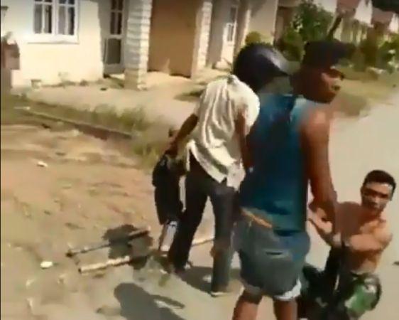 https: img-o.okeinfo.net content 2019 07 26 337 2083777 heboh-video-penyerangan-anggota-tni-yang-dikabarkan-di-papua-ini-faktanya-HnARYPjVwj.jpg