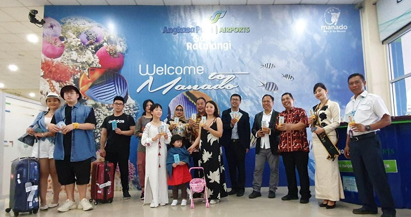 https: img-o.okeinfo.net content 2019 07 29 406 2084964 kedubes-tiongkok-luncurkan-peta-wisata-turis-china-di-manado-Nh2sIu5IIp.jpg