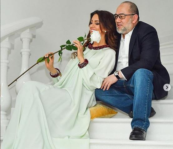 https: img-o.okeinfo.net content 2019 07 30 196 2085311 drama-baru-rumah-tangga-oksana-voevodina-curiga-bayi-itu-bukan-anak-dari-sultan-muhammad-v-jXYAatklIZ.jpg