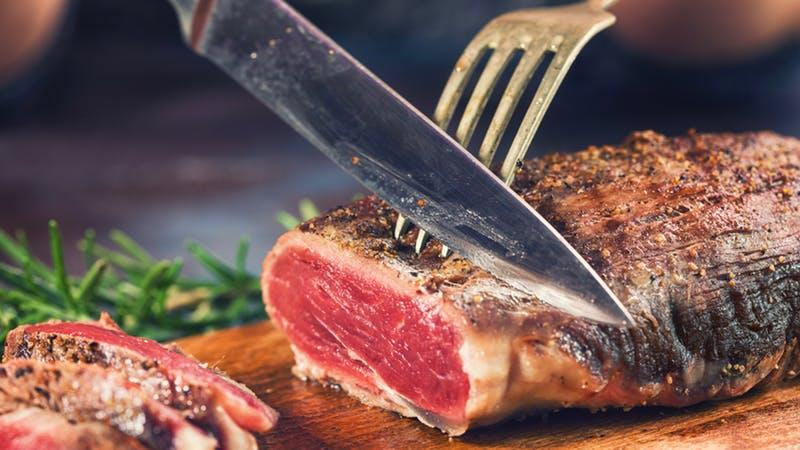 https: img-o.okeinfo.net content 2019 07 31 298 2086044 jangan-salah-pesan-ini-5-bagian-daging-sapi-paling-enak-untuk-steak-lxnyUhTKZk.jpg