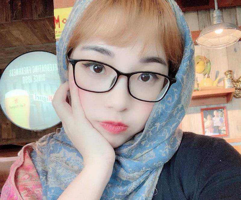 https: img-o.okeinfo.net content 2019 08 04 33 2087519 berkerudung-namun-pamer-belahan-dada-kimi-hime-banjir-kritikan-IPjd2f2JMg.jpg