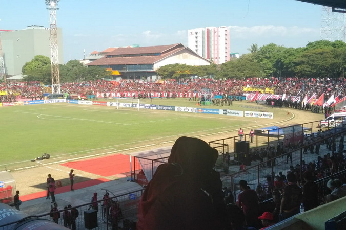 https: img-o.okeinfo.net content 2019 08 06 49 2088424 final-piala-indonesia-psm-vs-persija-suporter-mulai-padati-stadion-andi-mattalata-HJtfmcR5Do.jpg