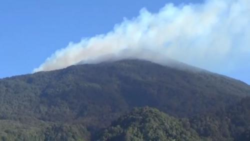 https: img-o.okeinfo.net content 2019 08 09 525 2089990 penyebab-kebakaran-di-gunung-ciremai-masih-misteri-nnt9yv26ed.jpg