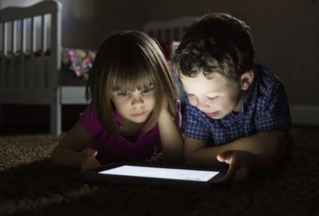 https: img-o.okeinfo.net content 2019 08 10 92 2090177 5-tips-berikan-internet-yang-aman-untuk-anak-ds9VWNpJ0b.jpg