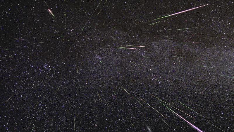 https: img-o.okeinfo.net content 2019 08 14 56 2091733 ini-foto-foto-penampakan-hujan-meteor-perseid-vWjXEJwBx1.jpg