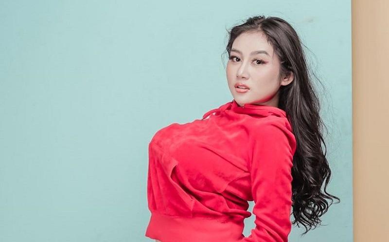 https: img-o.okeinfo.net content 2019 08 15 33 2092449 selain-disawer-intip-deretan-foto-seksi-pamela-safitri-di-jepang-yvP2NDgU40.jpg