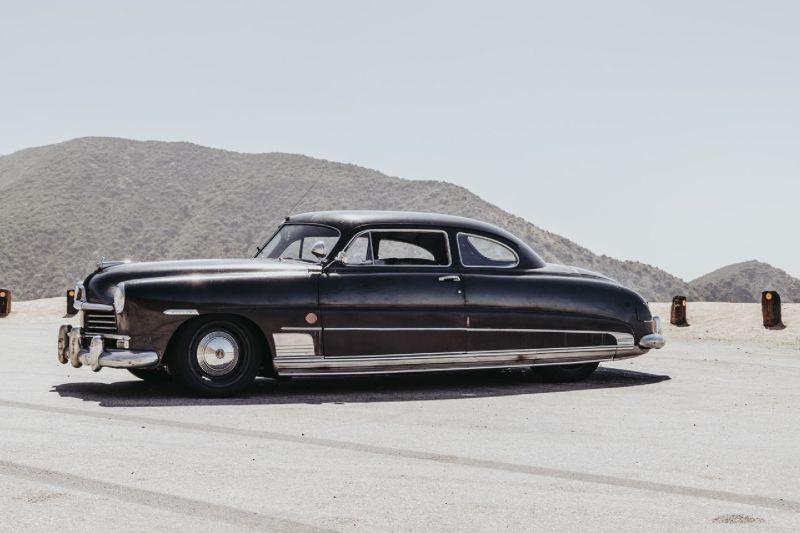 https: img-o.okeinfo.net content 2019 08 19 312 2093945 modifikasi-mobil-klasik-produksi-1949-miliki-tenaga-hingga-638-hp-bRto8EfBaJ.jpg