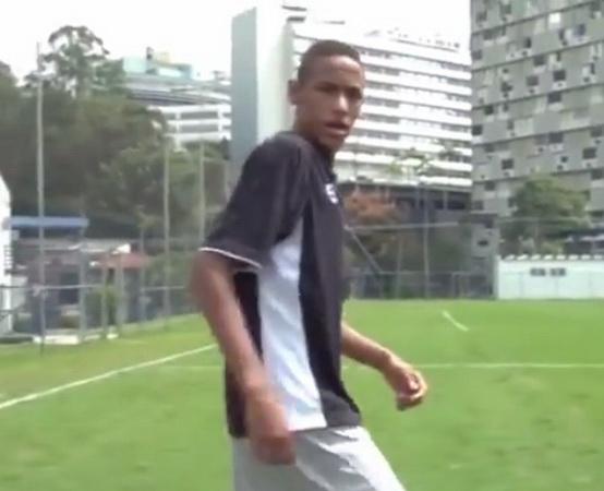 https: img-o.okeinfo.net content 2019 08 22 51 2095163 viral-aksi-neymar-pamer-kecepatan-lari-saat-remaja-UCcPLjwWLD.jpg