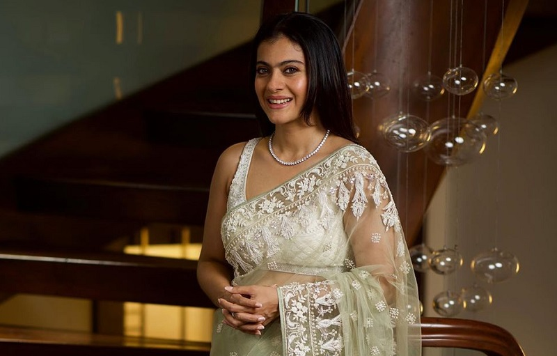 https: img-o.okeinfo.net content 2019 08 23 194 2095731 pesona-kecantikan-kajol-saat-mengenakan-busana-sari-Fg2bA3RQLH.jpg