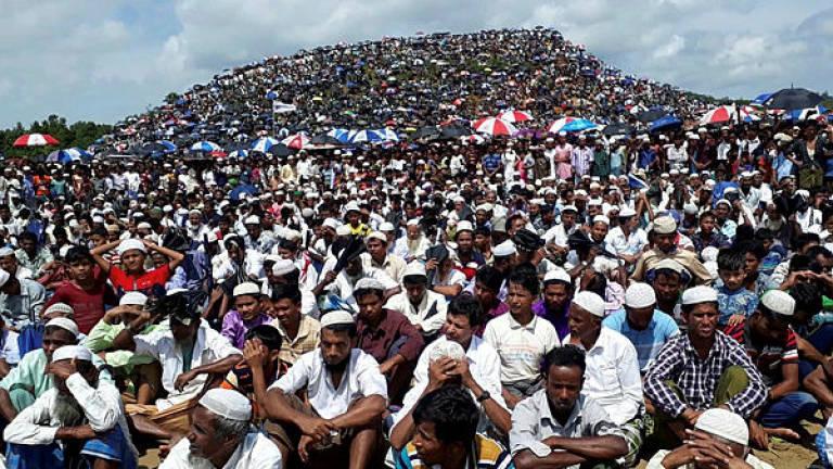 https: img-o.okeinfo.net content 2019 08 26 18 2096843 ratusan-ribu-pengungsi-rohingya-peringati-hari-genosida-di-bangladesh-ZtA0UPdCDZ.jpg