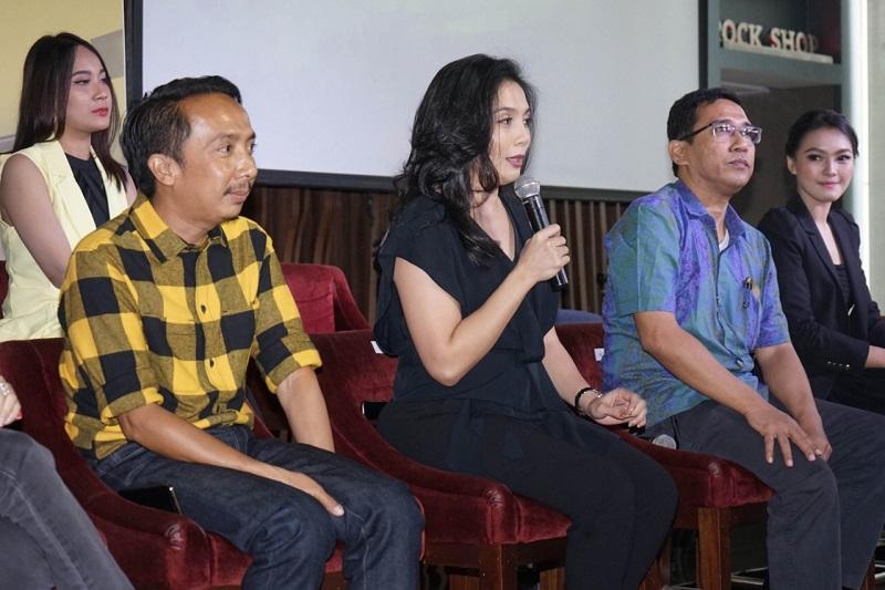https: img-o.okeinfo.net content 2019 08 27 598 2097179 artis-korea-bakal-ramaikan-indonesian-television-awards-2019-siapa-iwa2vFrQ52.jpeg