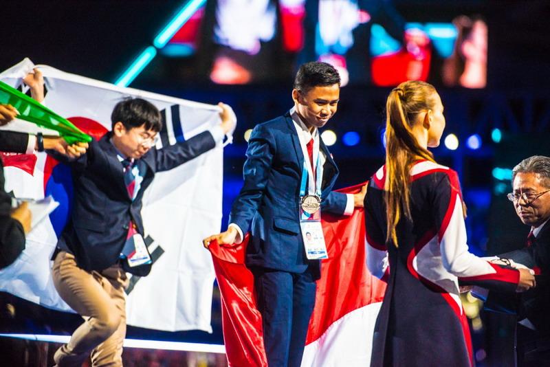 https: img-o.okeinfo.net content 2019 08 29 65 2098153 membanggakan-siswa-smk-indonesia-boyong-15-medali-pada-world-skill-competition-YOdP0lHNRa.jpg