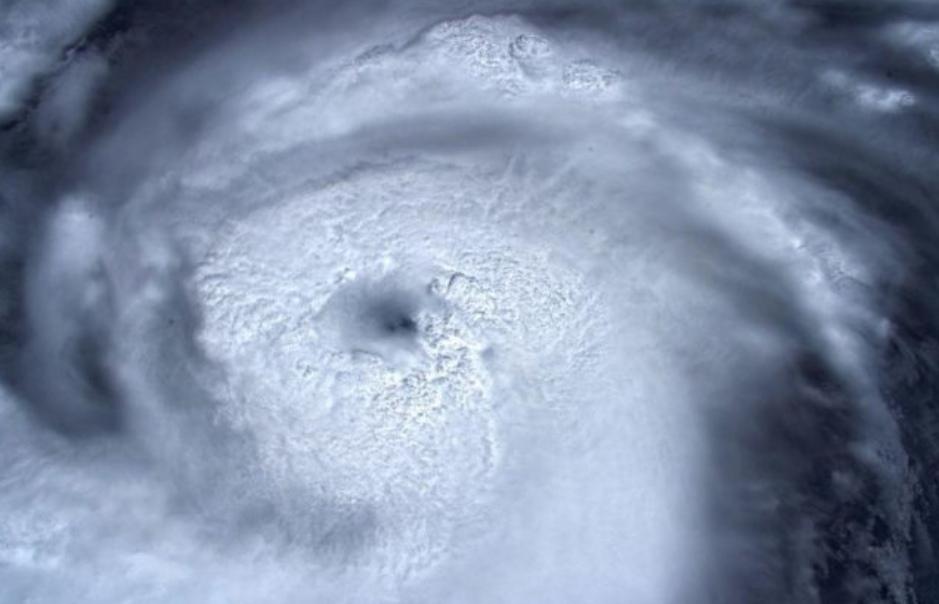 https: img-o.okeinfo.net content 2019 09 01 56 2099254 badai-dorian-yang-akan-terjang-as-semakin-kuat-EbSAdVdtqz.jpg