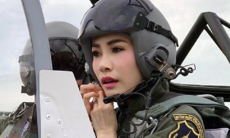 https: img-o.okeinfo.net content 2019 09 02 194 2099444 pesona-selir-raja-thailand-saat-jadi-pilot-jet-tempur-kZxDemMoOu.jpg