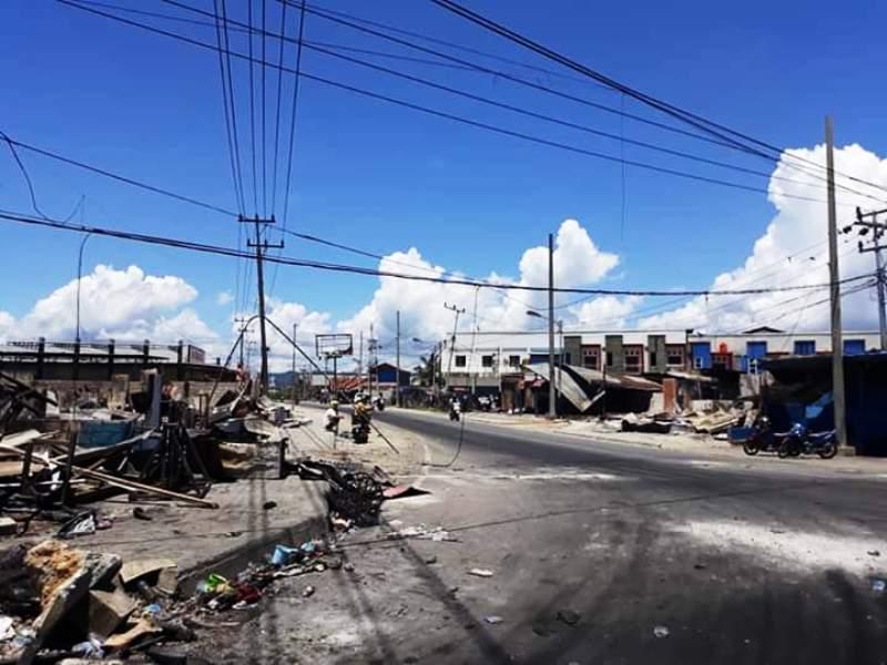 https: img-o.okeinfo.net content 2019 09 02 337 2099375 5-kelurahan-di-jayapura-porak-poranda-akibat-kerusuhan-ini-inventarisir-kerusakannya-EirqiJmxj4.jpg