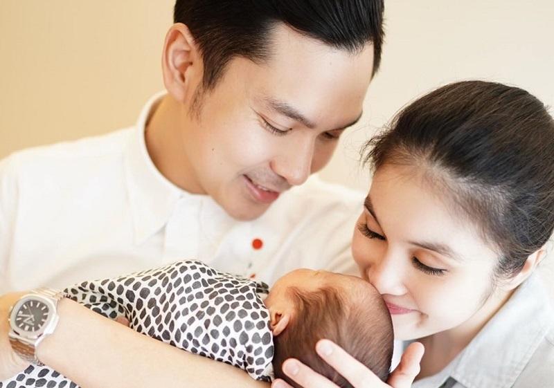 https: img-o.okeinfo.net content 2019 09 09 33 2102538 selamat-sandra-dewi-melahirkan-putra-kedua-KoHlyGPOWH.jpg
