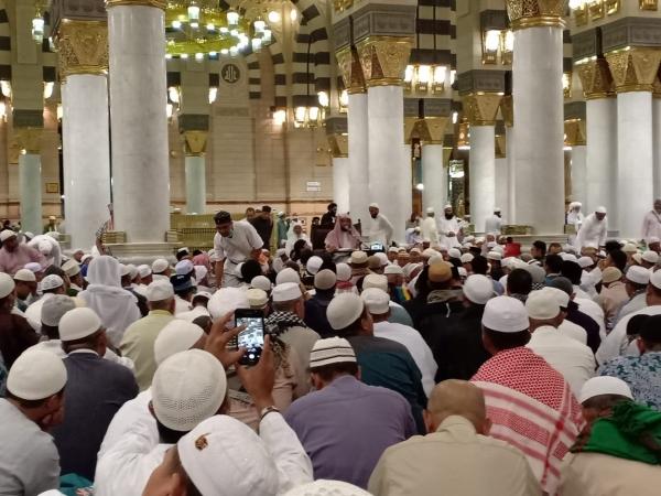 https: img-o.okeinfo.net content 2019 09 09 398 2102258 ini-esensi-arbain-salat-wajib-berjamaah-40-waktu-di-masjid-nabawi-xJKXswcVeZ.jpg