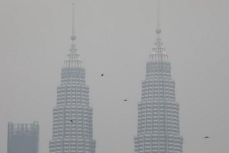https: img-o.okeinfo.net content 2019 09 10 18 2102991 kiriman-kabut-asap-dari-kalimantan-paksa-malaysia-tutup-409-sekolah-v1ENk50ltz.jpg
