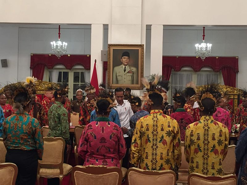 https: img-o.okeinfo.net content 2019 09 10 337 2102917 jokowi-akan-bangun-istana-kepresidenan-di-papua-Nk4iHsbsrv.jpg