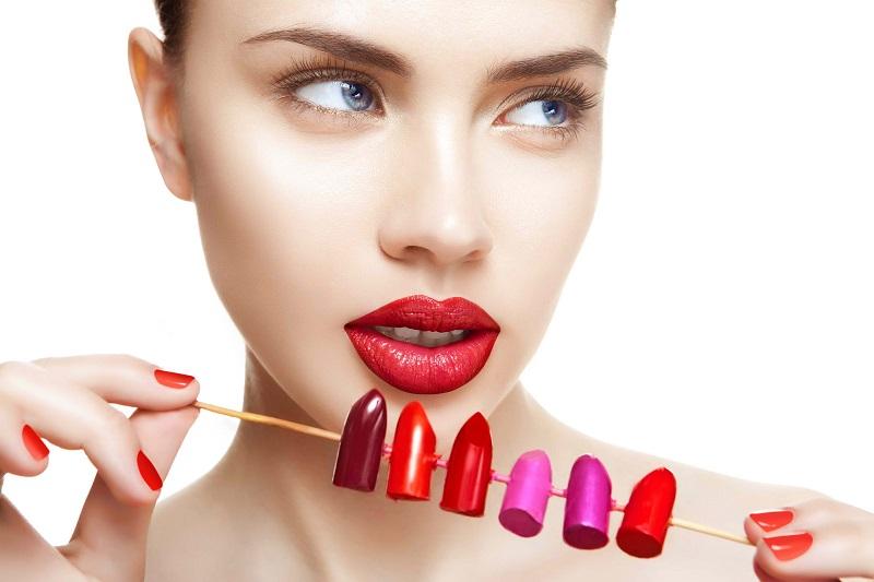 https: img-o.okeinfo.net content 2019 09 10 611 2102987 bibir-tipis-hingga-tebal-ini-8-tips-memulas-lipstik-biar-makin-cantik-Uu032Vk8vv.jpg