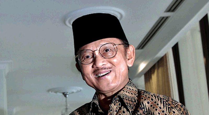 https: img-o.okeinfo.net content 2019 09 11 207 2103610 bj-habibie-meninggal-dunia-netizen-ramaikan-tagar-bjhabibie-dan-indonesiaberduka-xiK0URbCjh.jpg