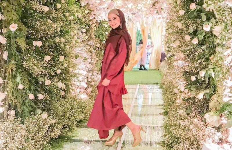 https: img-o.okeinfo.net content 2019 09 11 33 2103350 sebelum-jadi-mualaf-marcella-simon-ternyata-pernah-gunakan-hijab-Cw0yuR4p2s.jpg