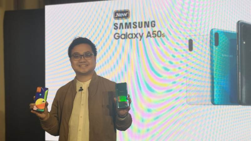 https: img-o.okeinfo.net content 2019 09 11 57 2103421 usung-fitur-nfc-samsung-resmi-rilis-galaxy-a50s-di-indonesia-VMmOvqrLKW.jpg