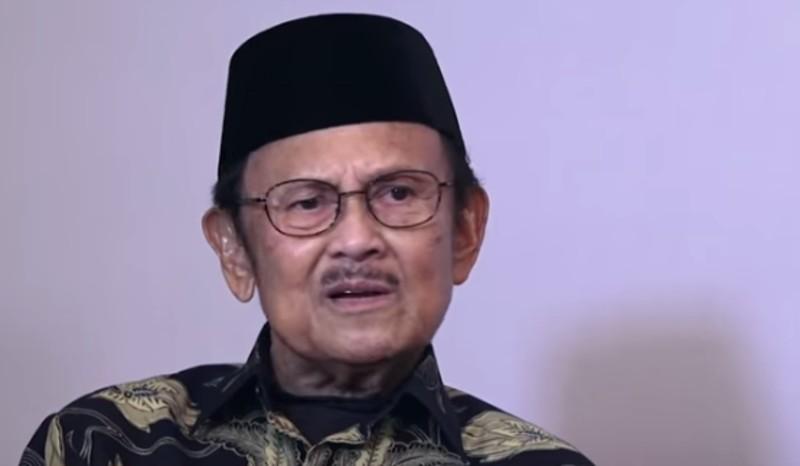https: img-o.okeinfo.net content 2019 09 12 56 2103842 presiden-jokowi-habibie-ilmuwan-dan-bapak-teknologi-indonesia-XbT5DGm678.jpg