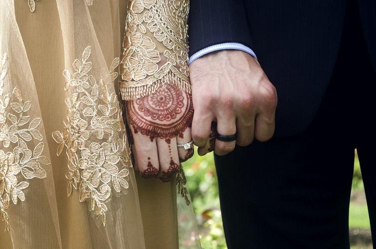 https: img-o.okeinfo.net content 2019 09 16 618 2105351 doa-melindungi-suami-dari-godaan-pelakor-fUDSM1LcIx.jpg