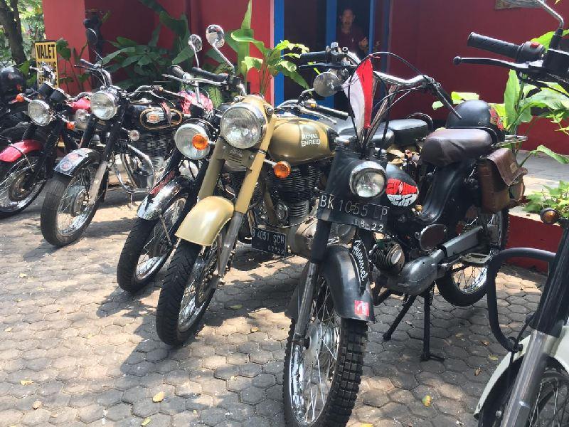 https: img-o.okeinfo.net content 2019 09 17 199 2105934 rayakan-hari-jadi-komunitas-bikers-brotherhood-1-mc-angkat-ketenaran-kemayoran-MLJYlasVvS.jpg