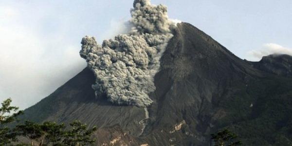 https: img-o.okeinfo.net content 2019 09 17 512 2106062 merapi-luncurkan-lava-sejauh-600-meter-LV3qEoEWHC.jpg