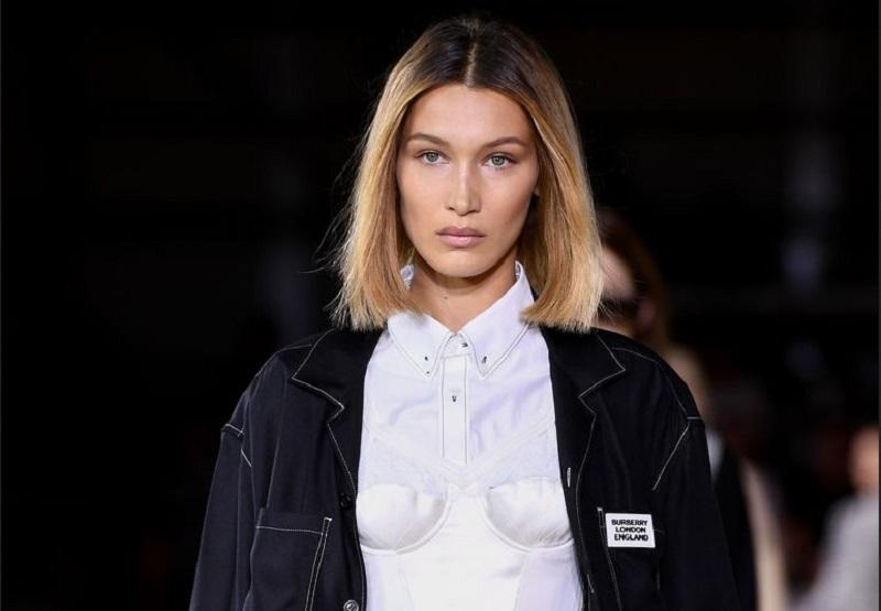 https: img-o.okeinfo.net content 2019 09 18 194 2106225 bella-hadid-terciduk-tanpa-bra-di-london-fashion-week-4bGS4GFvJV.jpg