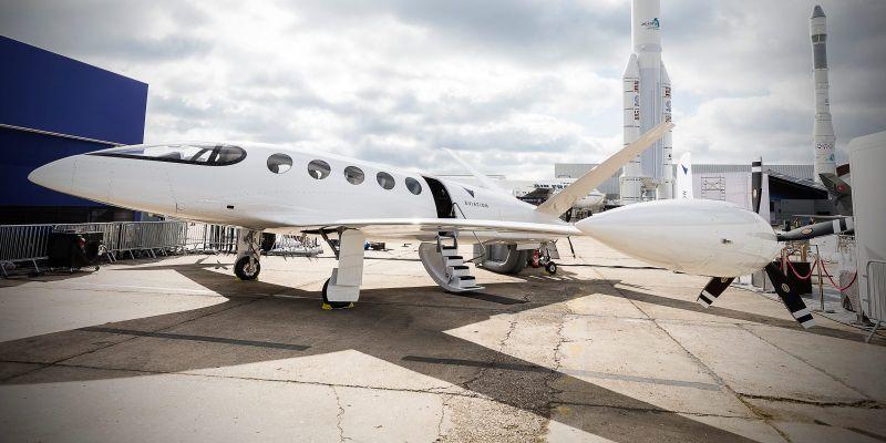 https: img-o.okeinfo.net content 2019 09 20 52 2107193 tak-hanya-mobil-trend-kendaraan-listrik-mulai-merambah-ke-pesawat-terbang-3YOiFmX47x.jpg
