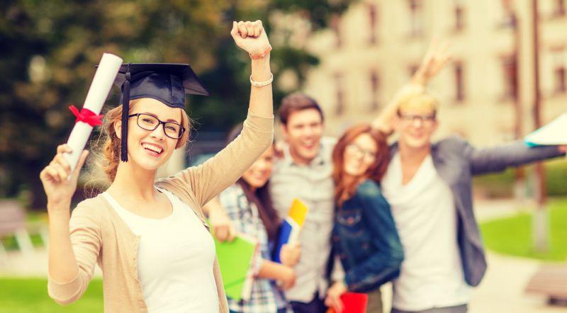 https: img-o.okeinfo.net content 2019 09 20 65 2107256 kabar-gembira-selesai-kuliah-mahasiswa-ri-di-inggris-boleh-kerja-dan-tinggal-2-tahun-3E4rj59s5P.jpg