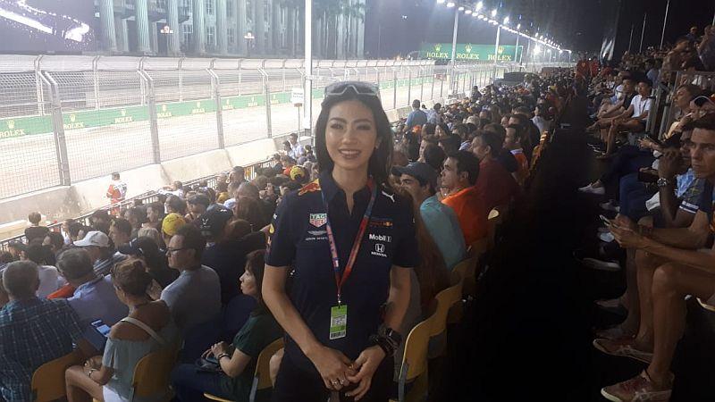 https: img-o.okeinfo.net content 2019 09 22 37 2107991 kesan-karla-jasmina-usai-saksikan-f1-gp-singapura-2019-5FRBUL2Dpb.jpg