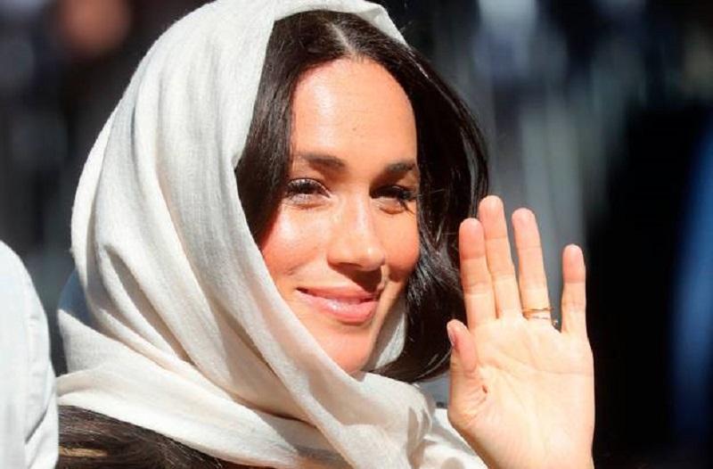 https: img-o.okeinfo.net content 2019 09 25 617 2109026 cantiknya-meghan-markle-pakai-hijab-saat-kunjungi-masjid-tertua-di-afrika-selatan-eTcPn0QEeY.jpg
