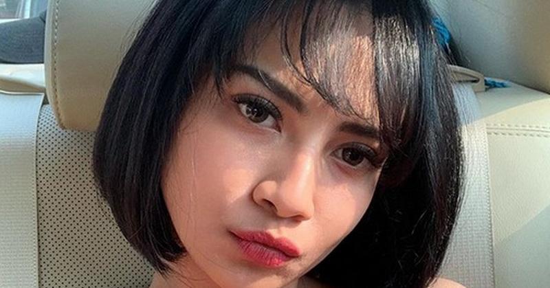 https: img-o.okeinfo.net content 2019 09 30 33 2110977 pose-seksi-vanessa-angel-di-pantai-netizen-salah-fokus-ke-dada-JR8hfBVJi5.jpg