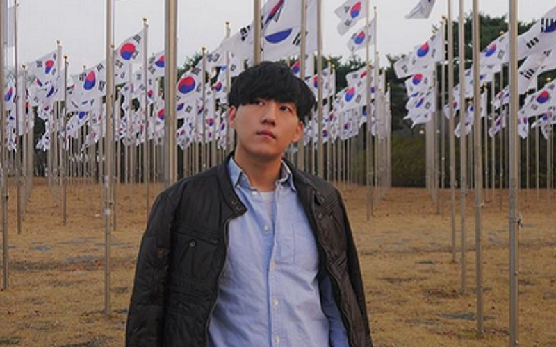 https: img-o.okeinfo.net content 2019 10 02 617 2111936 pesona-youtuber-korea-yang-jadi-mualaf-wajahnya-bikin-adem-MXuZ8q3sIo.jpg