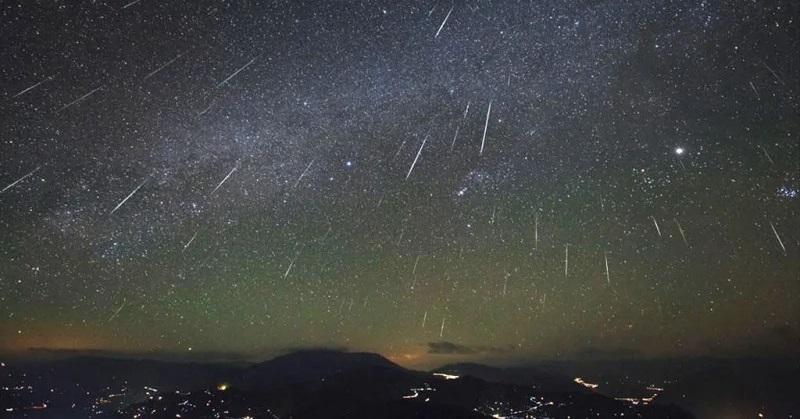 https: img-o.okeinfo.net content 2019 10 04 56 2112933 puncak-hujan-meteor-orionid-diprediksi-muncul-21-22-oktober-hbxkbEDshr.jpg