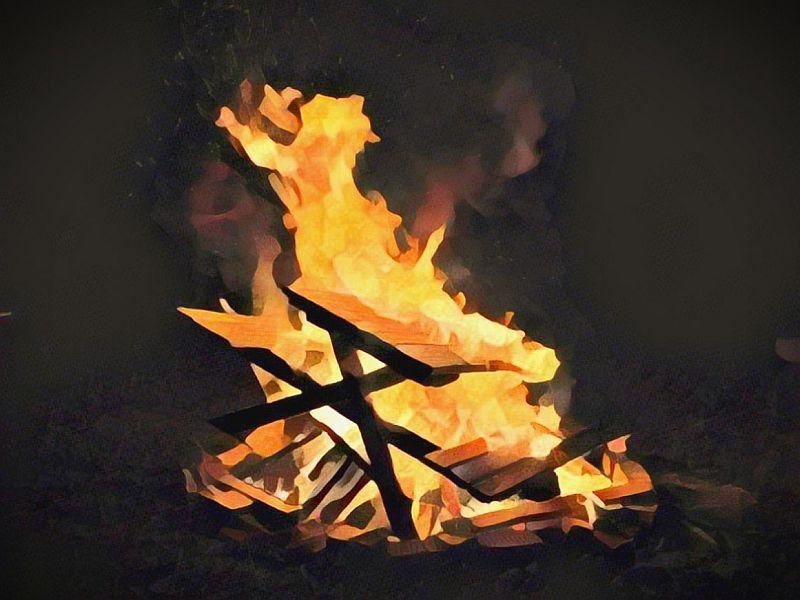 https: img-o.okeinfo.net content 2019 10 06 340 2113492 kapal-terbakar-di-oki-2-penumpang-tewas-snTz8P3QuI.jpg