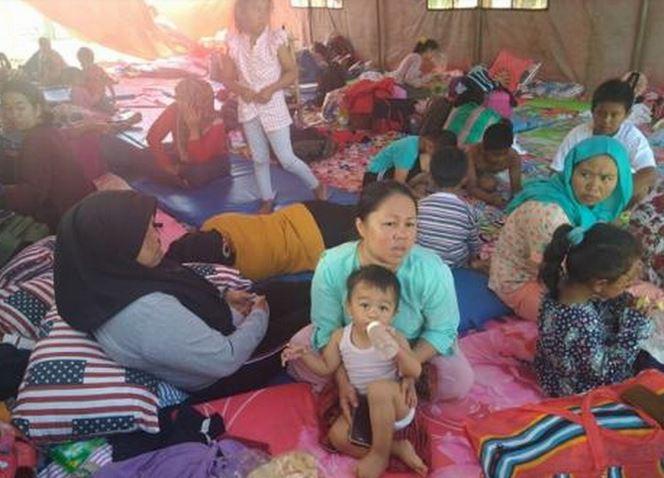 https: img-o.okeinfo.net content 2019 10 07 337 2113686 pengungsi-korban-rusuh-wamena-asal-jawa-barat-besok-dipulangkan-VHxjyWFkDm.JPG