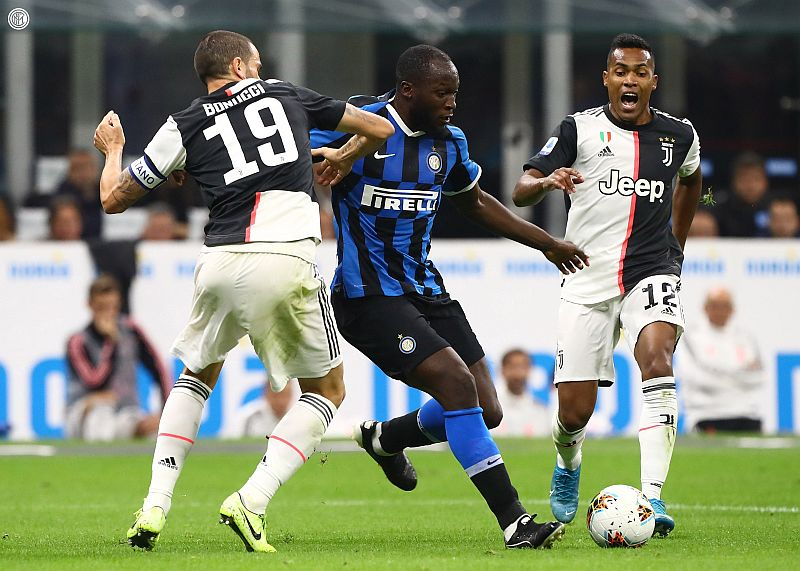 https: img-o.okeinfo.net content 2019 10 07 47 2113622 juventus-beri-inter-milan-kekalahan-perdana-di-liga-italia-2019-2020-Y3OVqkn8ZZ.jpg