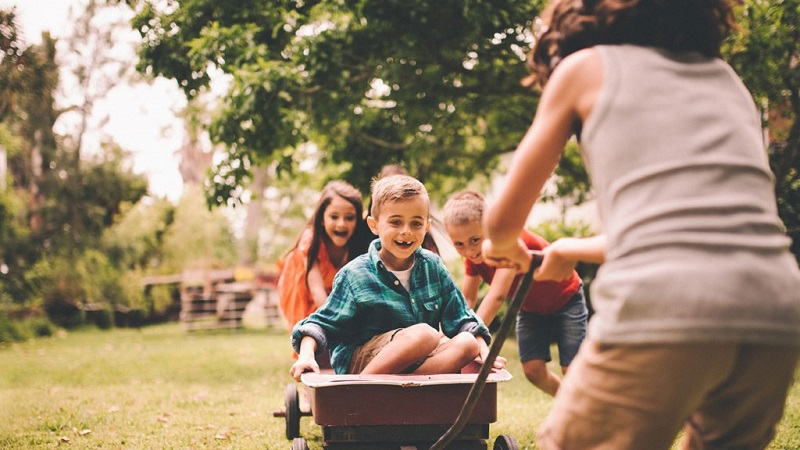 https: img-o.okeinfo.net content 2019 10 08 196 2114287 bermain-baik-untuk-tumbuh-kembang-anak-pastikan-sesuai-tahapan-usia-eC2nFGr5Ay.jpg