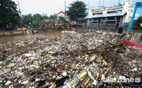 https: img-o.okeinfo.net content 2019 10 08 337 2114454 pengelolaan-sampah-di-indonesia-harus-dari-rumah-sendiri-7WoxFgqiLl.jpg