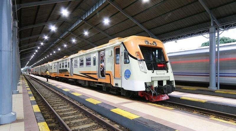 https: img-o.okeinfo.net content 2019 10 08 406 2114315 5-stasiun-kereta-api-paling-romantis-dan-ikonik-di-indonesia-gcT3pEdeXA.jpg