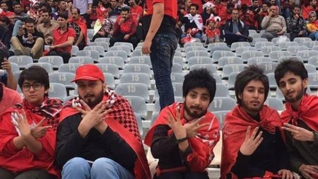 https: img-o.okeinfo.net content 2019 10 09 18 2114721 setelah-40-tahun-perempuan-iran-diizinkan-masuk-stadion-sepak-bola-JKkvXKNbcy.jpg
