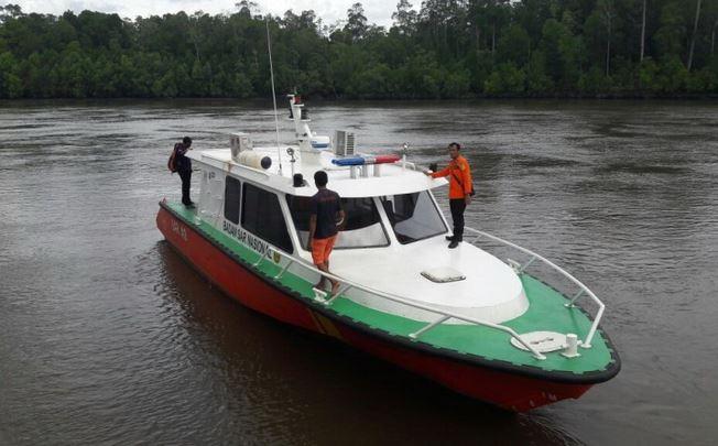 https: img-o.okeinfo.net content 2019 10 09 340 2114966 speed-boat-berpenumpang-36-orang-kandas-di-perairan-kaltara-hB3DXZN0cY.JPG