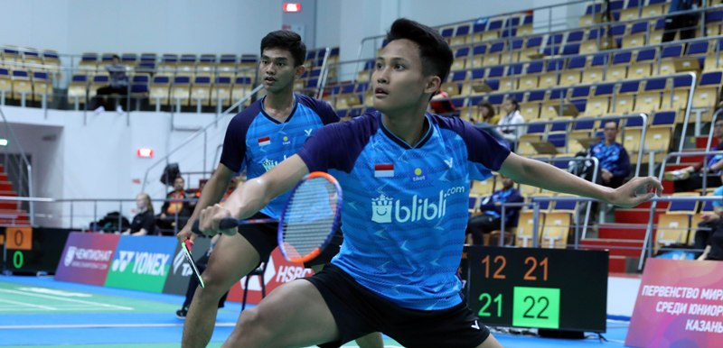 https: img-o.okeinfo.net content 2019 10 09 40 2114630 satu-ganda-putra-indonesia-terhenti-di-babak-kedua-kejuaraan-dunia-bulu-tangkis-junior-2019-uoBn8apQRl.jpg