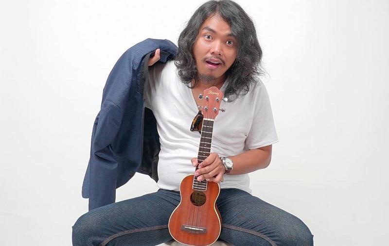 https: img-o.okeinfo.net content 2019 10 10 205 2115423 chord-gitar-dan-lirik-lagu-darling-dodit-mulyanto-78p64v98b8.jpg